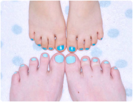 Mommy & me - teal painted toe nails