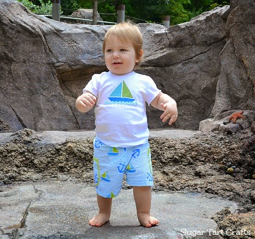 Simple little boys t-shirt refashion