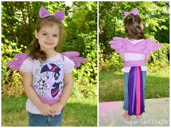 My Little Pony: Twilight Sparkle Halloween costume and play-set