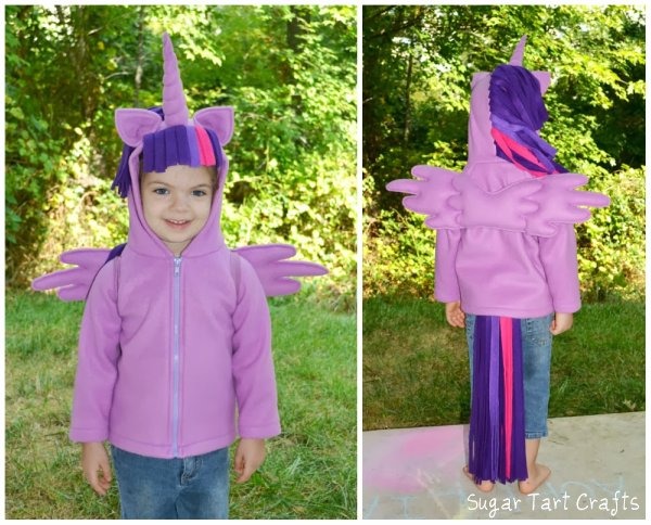My Little Pony: Twilight Sparkle alicorn princess Halloween costume and play-set