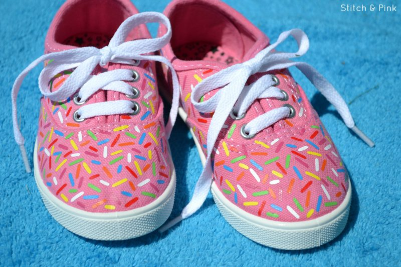 DIY Sprinkle Sneakers by Stitch & Pink